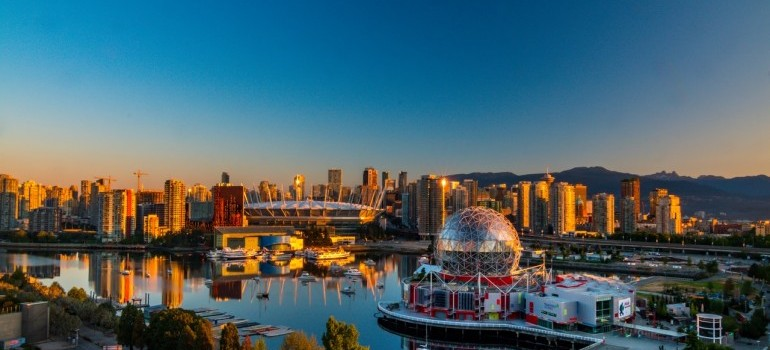 Get ready for moving from Montreal to Vancouverto